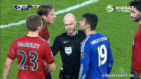 Höjdpunkt: Jonas Olsson i het duell med Diego Costa
