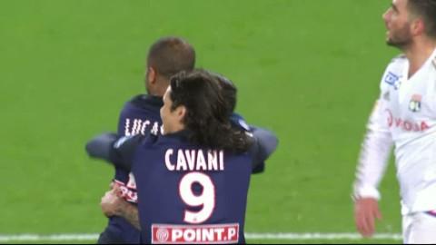 Lucas räddar PSG-segern med Zlatan på bänken