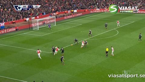 Höjdpunkt: Ramsey reser sig från den tuffa tacklingen