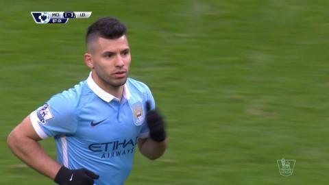 Mål: Agüero trycker in ett tröstmål för City (1-3)