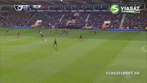 Mål: Arsenal utökar genom Oxlade-Chamberlain (0-2)