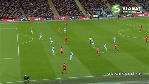 Mål: Coutinho trycker in kvitteringen för Liverpool (1-1)