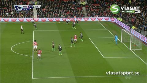 Mål: Lingard slängnickar in ledningsmålet (1-0)