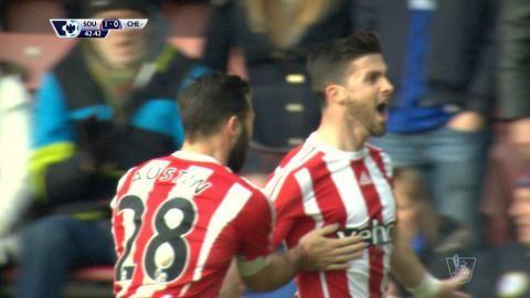 Mål: Long ger Southampton ledningen efter Babas misstag