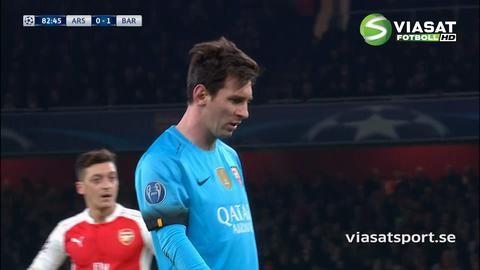Mål: Messi fälls i straffområdet - utökar från straffpunkten (0-2)