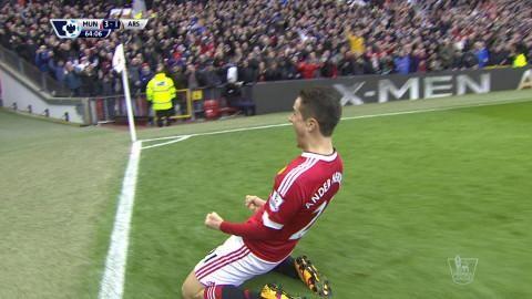 Mål: United utökar - Herrera nätar (3-1)