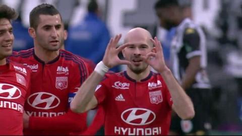 Två kanonmål när Lyon tog en säker seger
