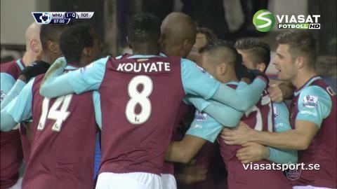 Mål: Antonio nickar in ledningen för West Ham (1-0)