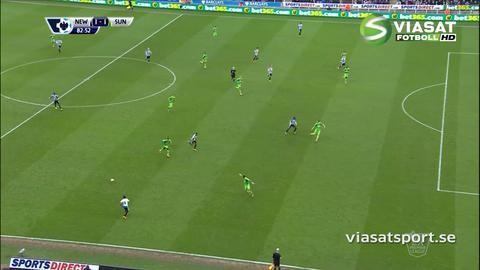 Mål: Mitrovic ordnar kvittering - firar med supporter (1-1)