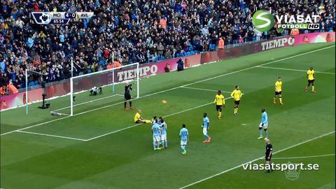 Mål: Sterling rullar enkelt in fyran mot Villa (4-0)