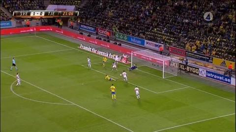 Vilken räddning - Emil Forsberg med jätteläge att göra 2-0!