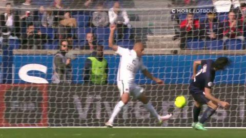 3-0 för PSG - Cavani får öppet mål