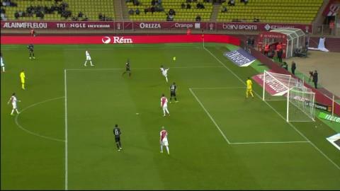 Aj aj, här går allt fel för Monaco - horribelt försvarsspel
