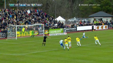 Albaek sätter 1-0 till Göteborg från straffpunkten