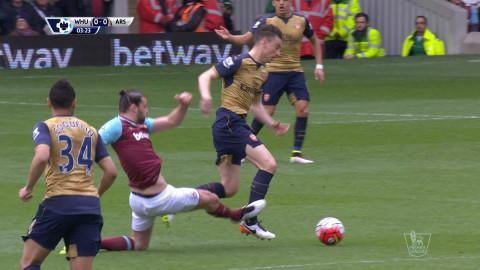 """Carrolls vansinnestackling: """"Hör inte hemma på en fotbollsplan"""""""