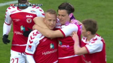 Erikssons flipper-skott letar sig in bakom Pyzdrowski