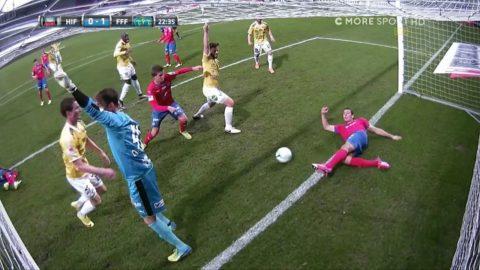 Falkenberg gör 1-0 - efter rörig situation
