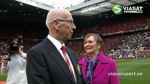 Höjdpunkt: Sir Bobby Charlton hyllas på Old Trafford