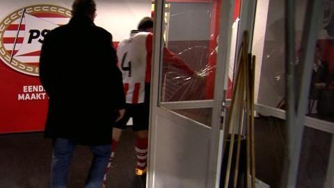 Höjdpunkt: Utvisad i sin 100:e match för PSV - krossar en ruta