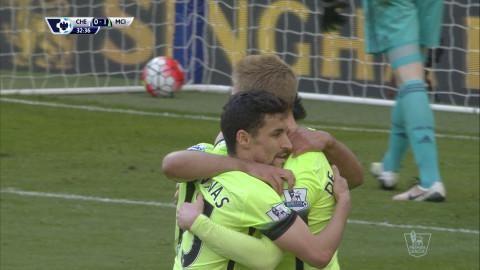 Mål: Agüero ger City ledningen på Stamford Bridge (0-1)