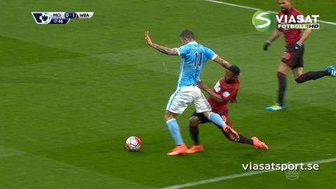 Mål: Agüero trycker in kvitteringen från straffpunkten (1-1)