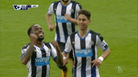 Mål: Anita trycker in kvitteringen för Newcastle (1-1)