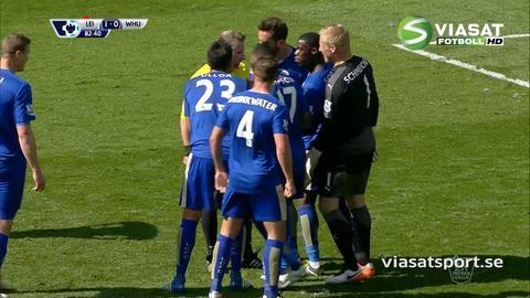 Mål: Carroll trycker in kvitteringen från straffpunkten (1-1)