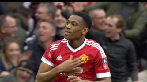 Mål: Martial frälser United i sista stund (1-2)