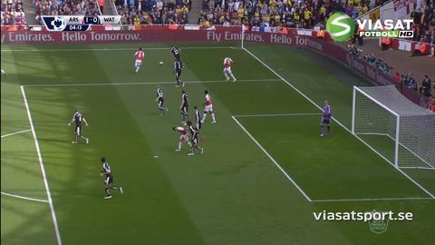 Mål: Sanchez trycker in sin egen retur (1-0)