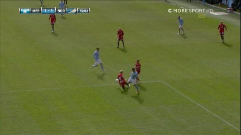 Malmö FF har vänt! - tar ledningen på omdiskuterad straff