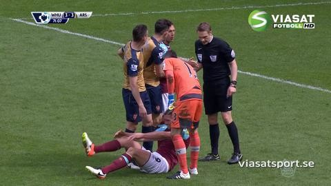 Video: Koscielny fäller Carroll
