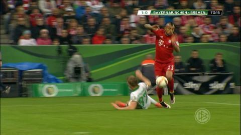"""Video: Vidal filmar till sig en straff: """"Inte ens i närheten"""""""