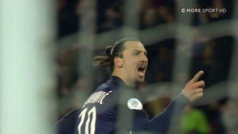 Zlatan flyttar på försvarare och bombar in 3-0