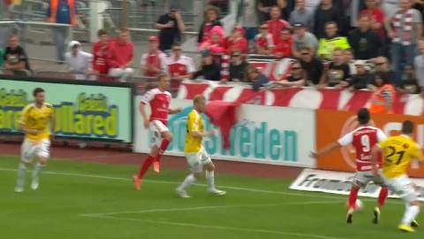 Antonsson stöter in 2-1 - och skadar sig