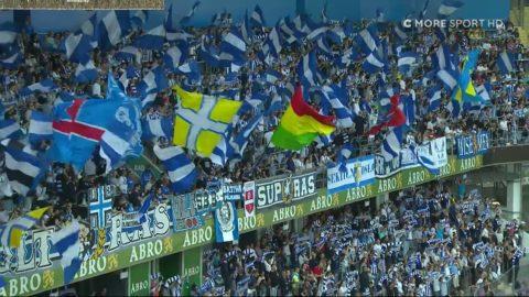 Blåvits vackra flaggtifo inför stormötet mot Djurgården