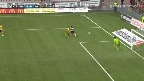 Crespo dunkar överraskande bollen i stolpen - nära Örebro-ledning