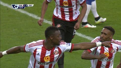 Mål: Kone trycker in Sunderlands andra efter hörna (2-0)