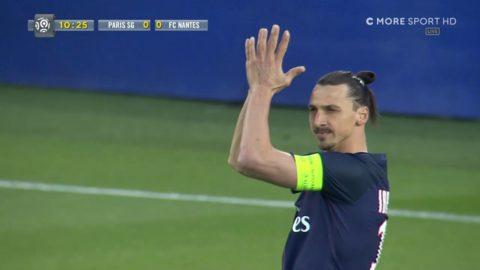 Spelet stoppas i minut 10 - hela stadion hyllar Zlatan