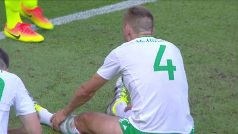 1-0 till Wales - McAuley styr bollen i eget mål