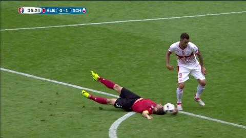 Canas hjärnsläpp - Albaniens kapten får rött kort