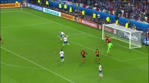 Lyssna: Italienska kommentatorerna blir galna av 2-0-målet