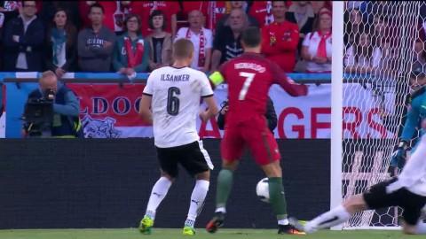 Ronaldo ytterst nära att styra in 1-0