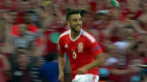 Wales utökar till 2-0 efter ryska misstag