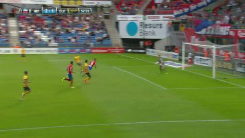 Läcker språngnick från Jordan Larsson ger HIF 2-1 - skadar sig i firandet