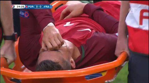 Ronaldo i tårar när han lämnar finalen på bår