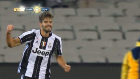 Se Juventus-spelarens drömmål - från halva planen