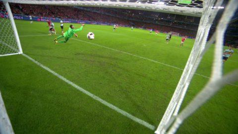 Vokes nickar in 3-1 för Wales
