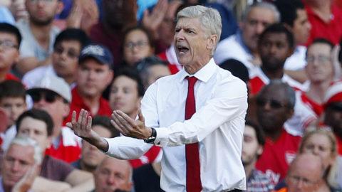 """Arsene Wenger lugnar fansen: """"Vi jobbar hårt"""""""