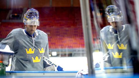 Lundqvist öppnar för spel mot Finland