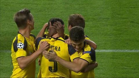 Mål:  Bartra gör Dortmunds tredje mål på tio minuter (0-3)